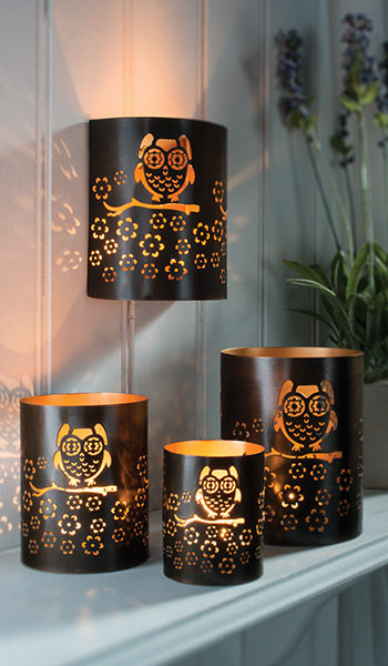 Iron wall tealight holder with owl design