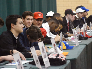 28 Student-Athletes Sign National Letters of Intent