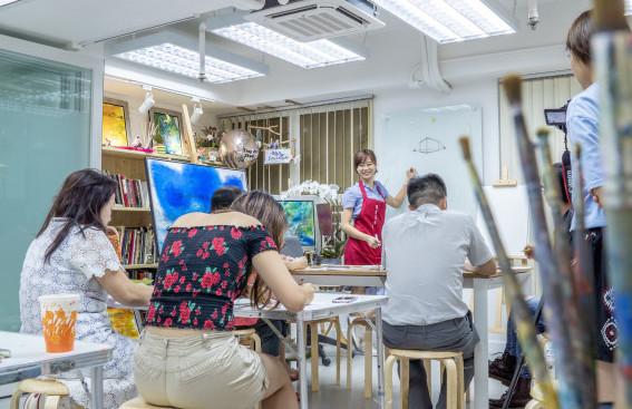 Elaine indoor Class