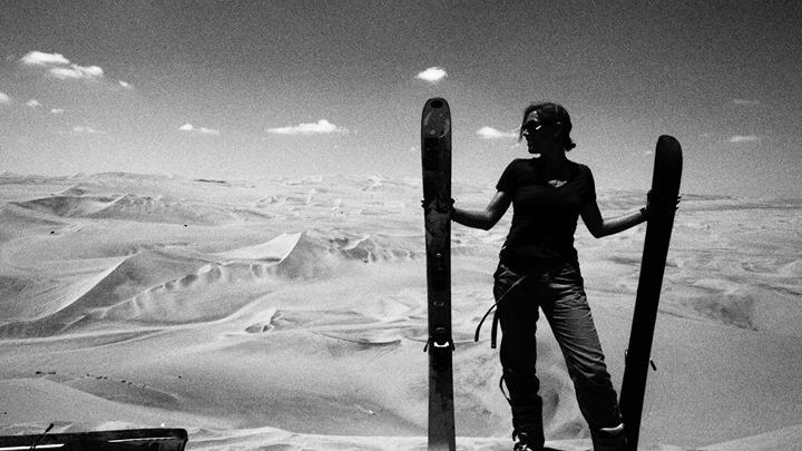 Skifahren auf einer Düne