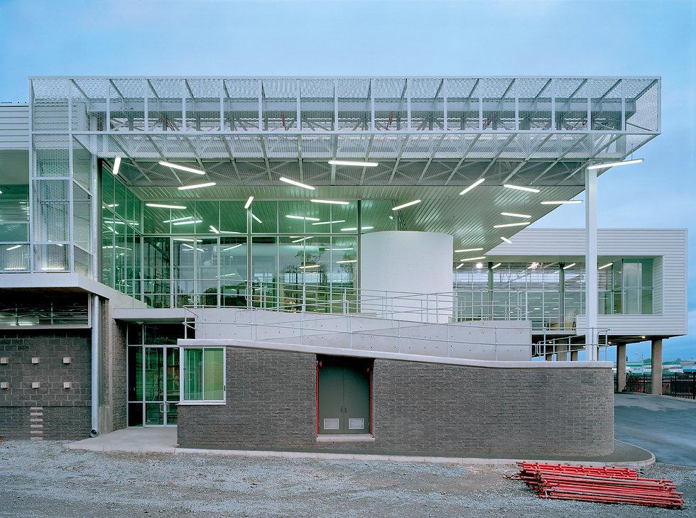 Award-winning-distribution-centre-facade