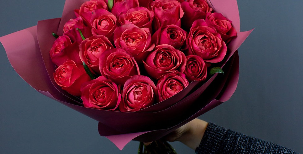 Mono пионовидная роза
