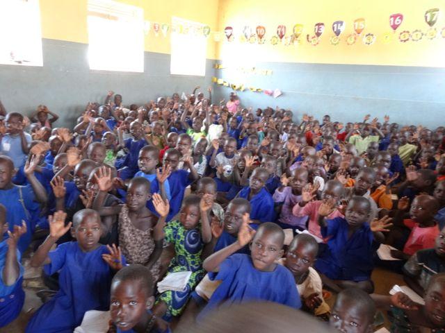 Hundreds of children per class