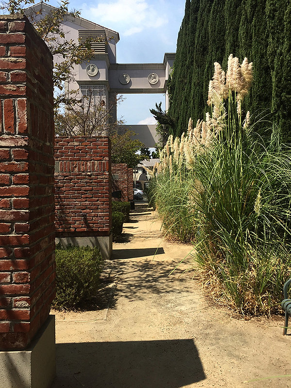 Culver City Hall gardens, triumphal arch, public art
