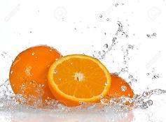 18394281-Orange-fruits-and-Splashing-wat
