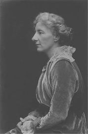 Lucy_Deane_Streatfeild_1918.jpg