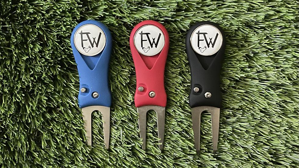 Divot Repair Tool - FW Logo
