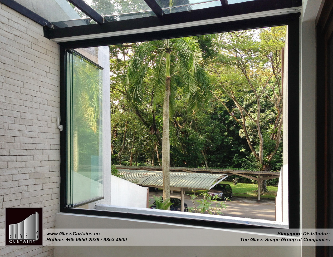 balcony frameless glass doors and doors opened 8 inside.jpg