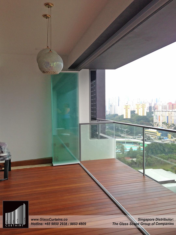 balcony frameless glass doors and doors opened 2.jpg