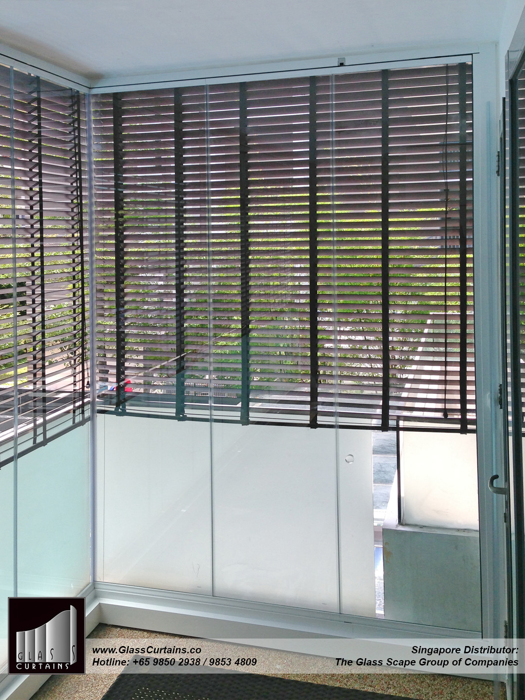 balcony frameless glass doors and doors closed 7.jpg
