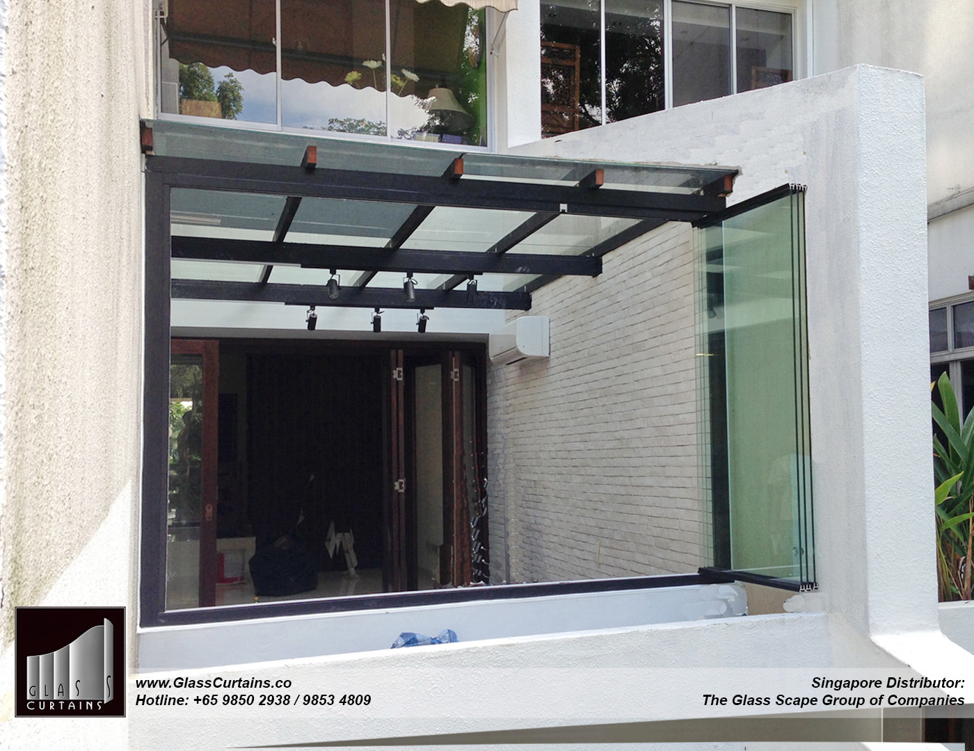 balcony frameless glass doors and doors opened 8.jpg
