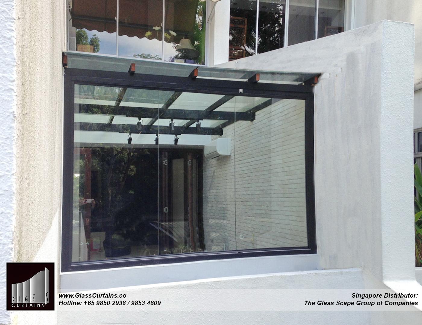 balcony frameless glass doors and doors closed 8.jpg