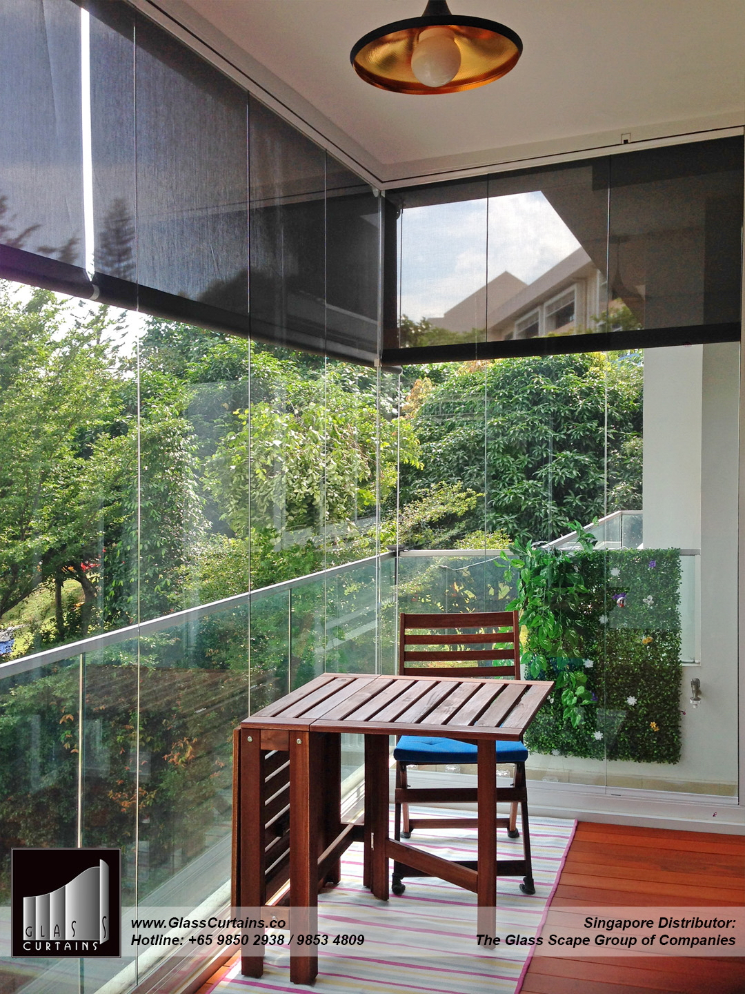 balcony frameless glass doors and doors closed 6.jpg