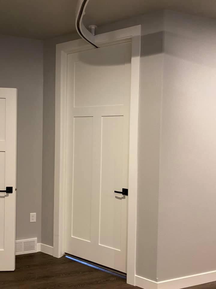 Ceiling Track (Door)