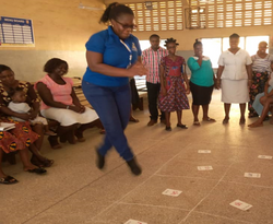 Trainee using sounds to play 'ampe' a lo