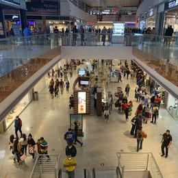 Centros comerciales ven con optimismo el 2S2021