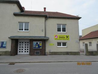 Eingang Hauptgebäude