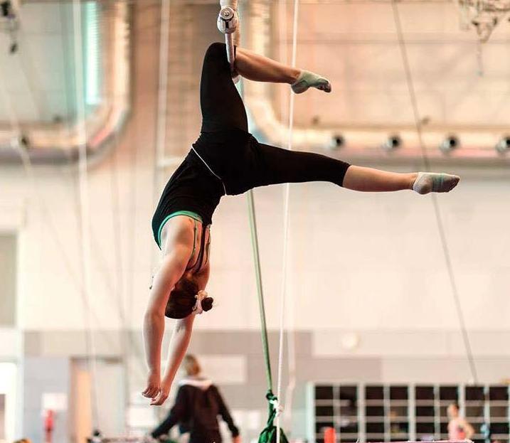 Miss Sarah static trapeze