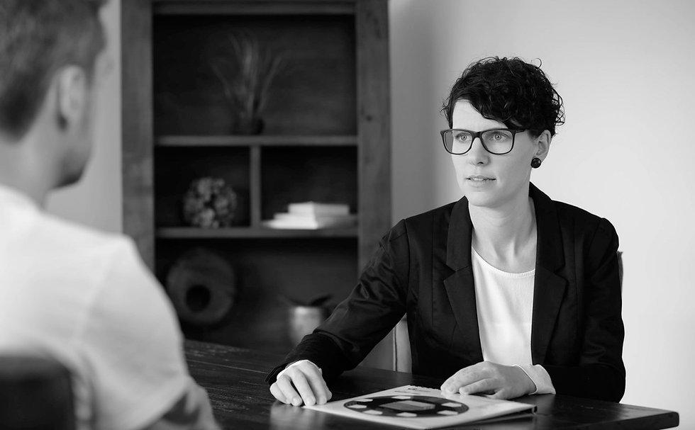 Anja-Schneider-im-Coaching-Gespräch