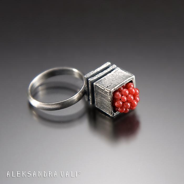 JR30.....Raspberry Ring.....