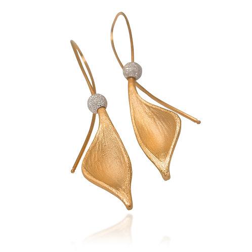 Gold Pod Earrings/in Gold/