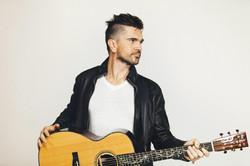 Contratación de Juanes