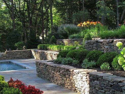 amenager-un-jardin-en-pente-8-les-25-mei