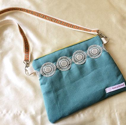 Sapphire pouch bag + strap