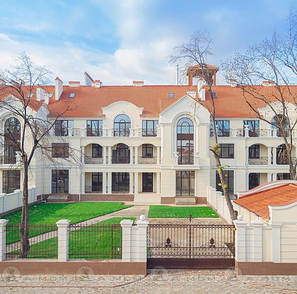 Royal Gardes, elite town house, Odesa