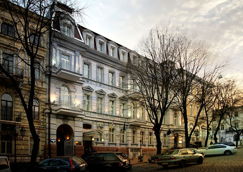 """""""Continental"""" Hotel 