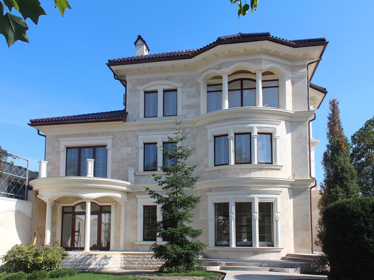 MEDITERRANEAN HOUSE C650