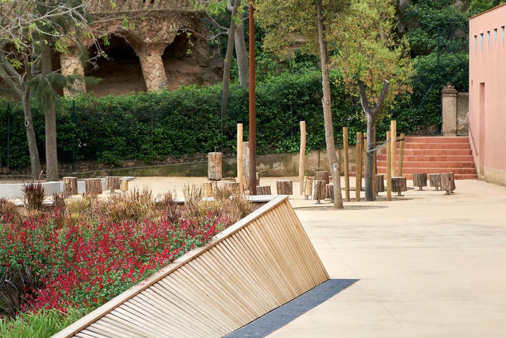 Renovació dels espais exteriors i interiors de l'Escola Baldiri i Reixac · Premis Catalunya Construcció