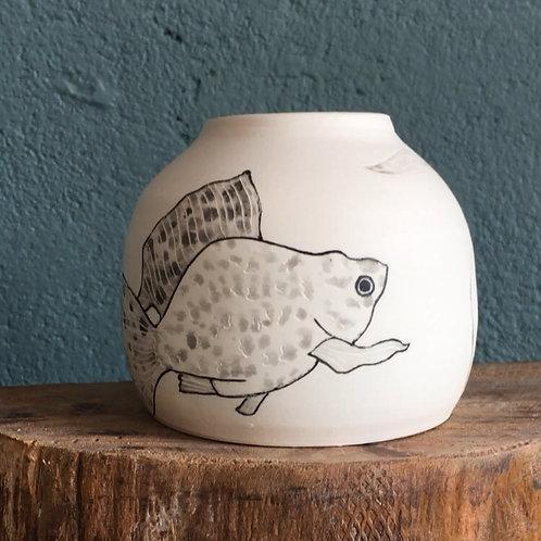 Vase boule motif poisson 2