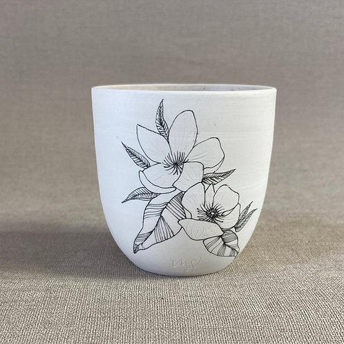 Tasse en porcelaine motif fleurs
