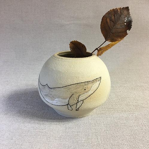 Vase boule motif baleine et algues