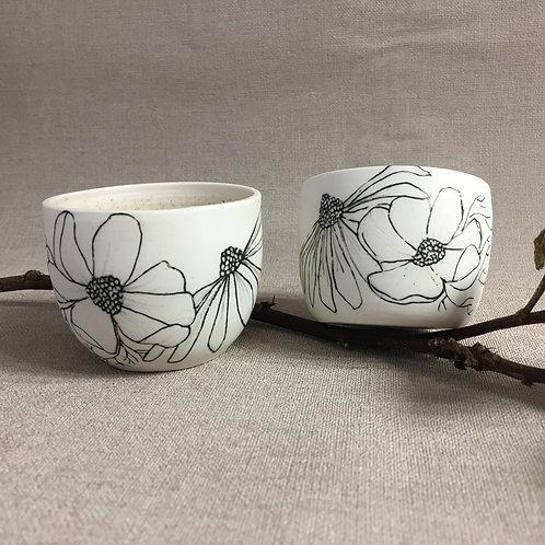Duo de petites tasses fleuries
