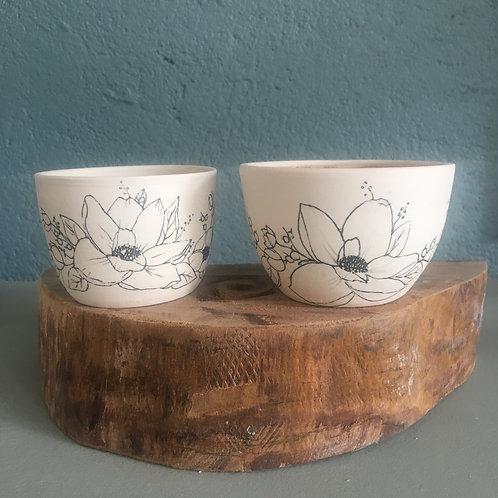 Petite tasse motif floral