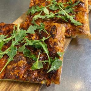 PIZZA NEVER TASTED SOOOO GOOD! 😋