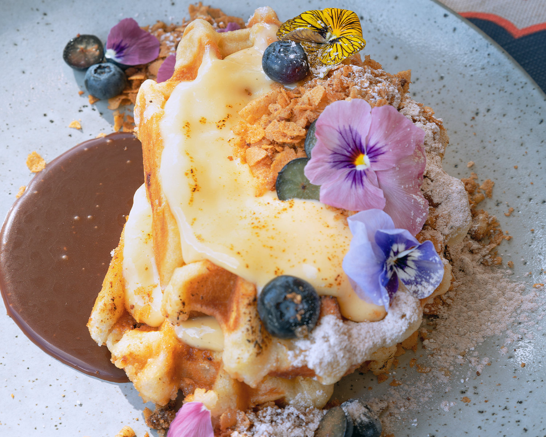 BRUNCH: Crème brûlée Waffles