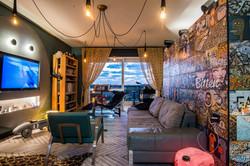 Living area / balcony