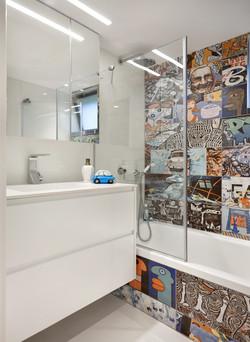 Ness Ziona - girls bathroom