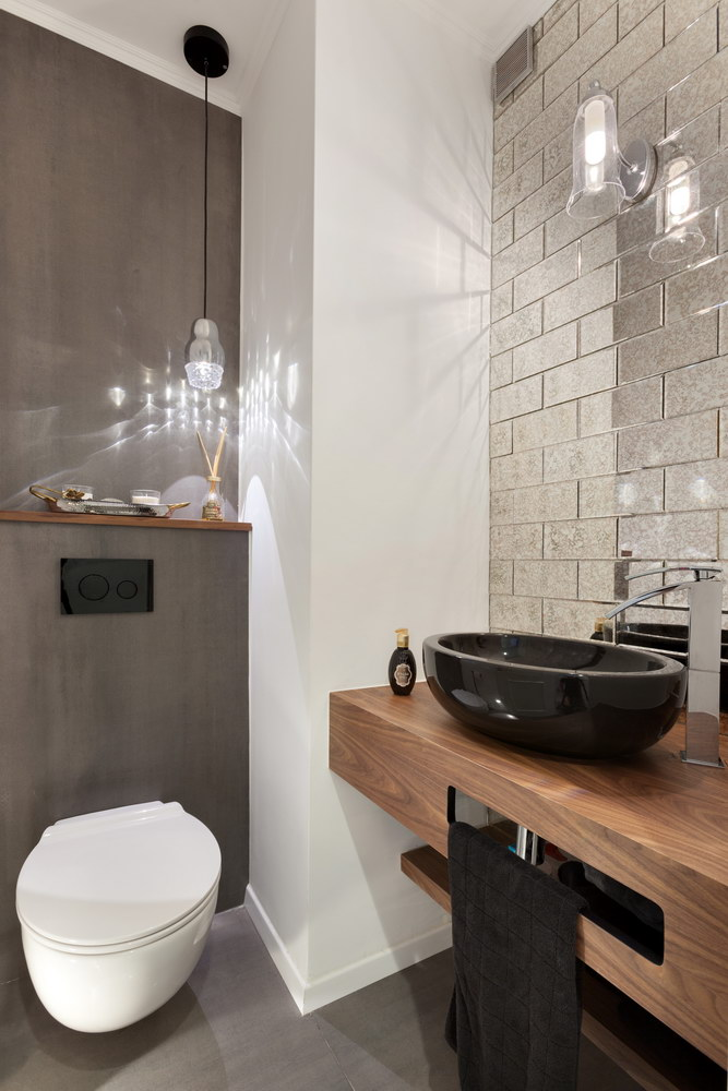 Ness Ziona - restroom