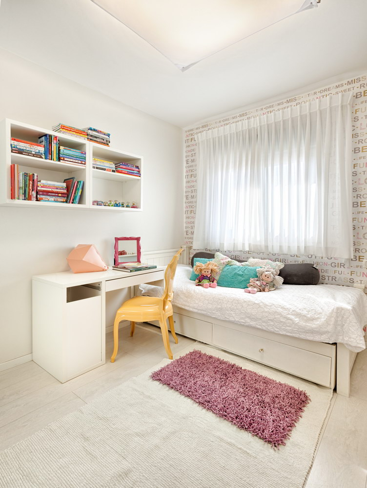 Penthouse Holon - girl bedroom