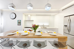 Penthouse Holon -kitchen