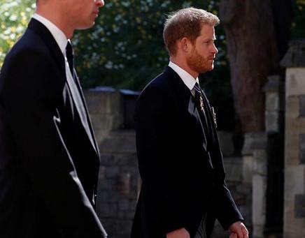 Принц Гарри решил задержаться в Великобритании