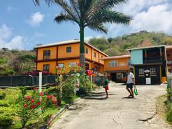 Petit Martinique stroll