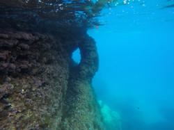 Deia Sub Rock Hole02