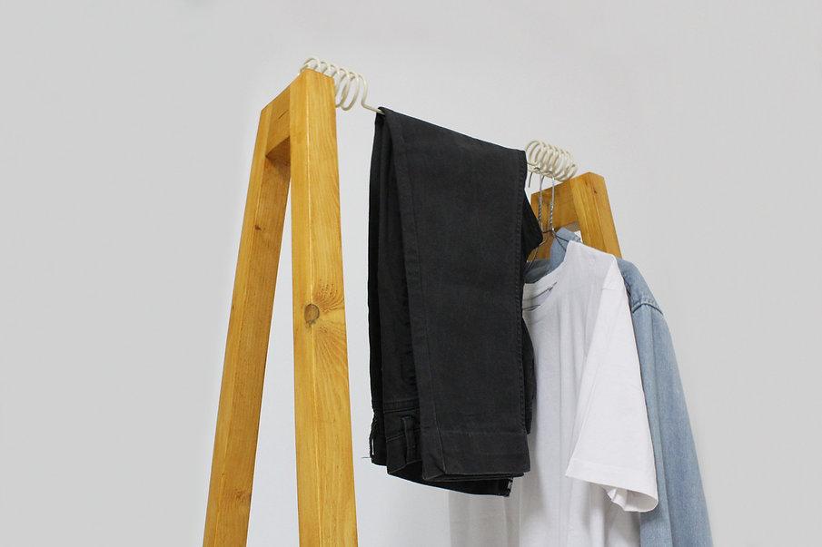 cruzetabeje_clothesdetail_hugir.jpg