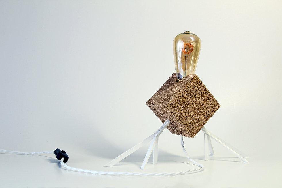 Hugi.r-Lamp-AgaphantoE.T.-White-Light.jp