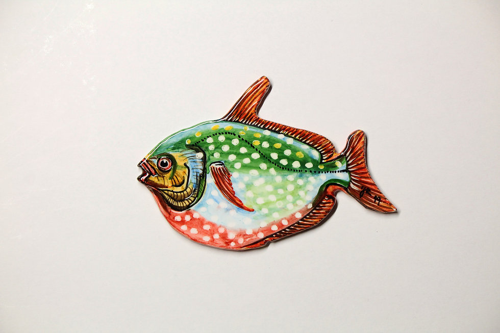 Hugi.r-Ceramic-Recife-Fish-Carnation.jpg